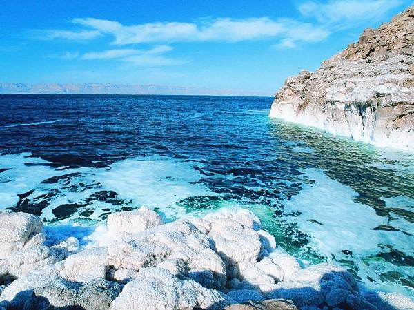 Giải mã điềm báo và con số lô đề của giấc mơ thấy biển