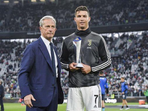 Ronaldo xứng đáng giành Quả Bóng Vàng năm nay hơn Messi